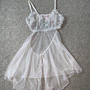 Victoria's Secret Scallop Lace Babydoll